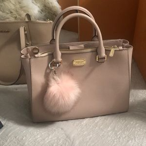 Gorgeous Michael Kors saffiano leather nude tote